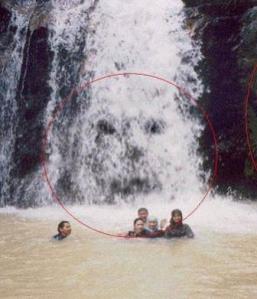Jin penunggu air terjun